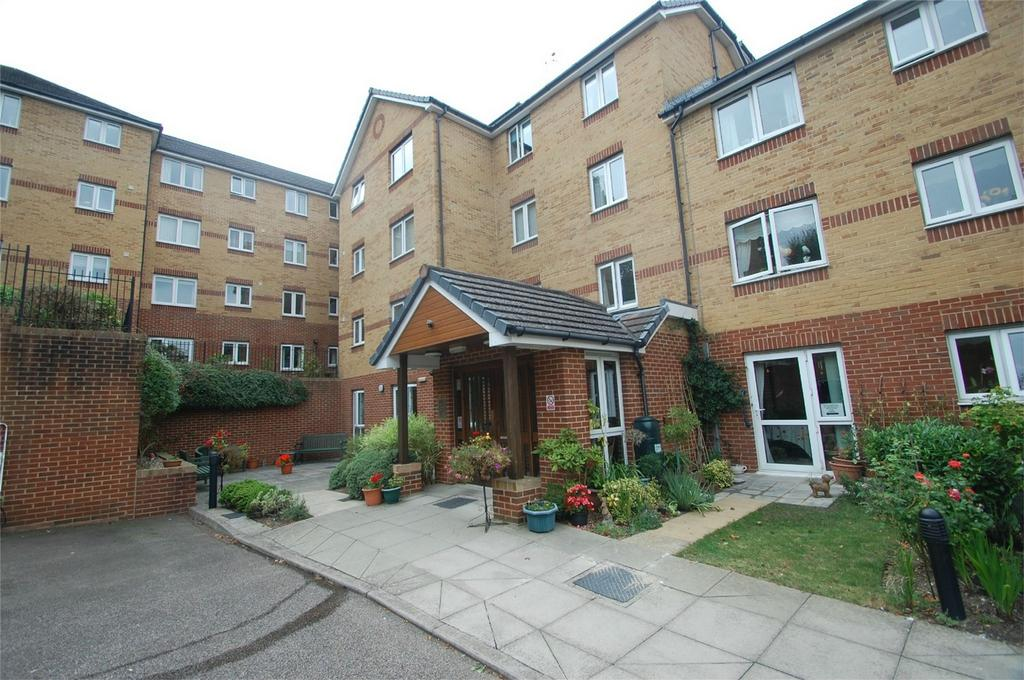 1 Bedroom Retirement Property for sale in Woodlands Court, Walderslade Road, Chatham, Kent