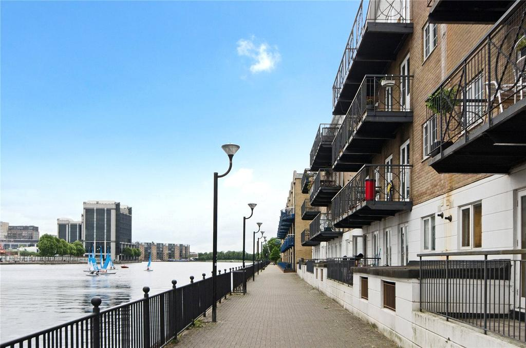 2 Bedrooms Apartment Flat for sale in Dockers Tanner Road, London, E14