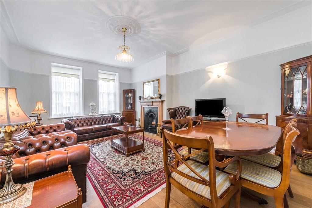 3 Bedrooms Flat for sale in St. John's Wood Court, St. John's Wood Road, London