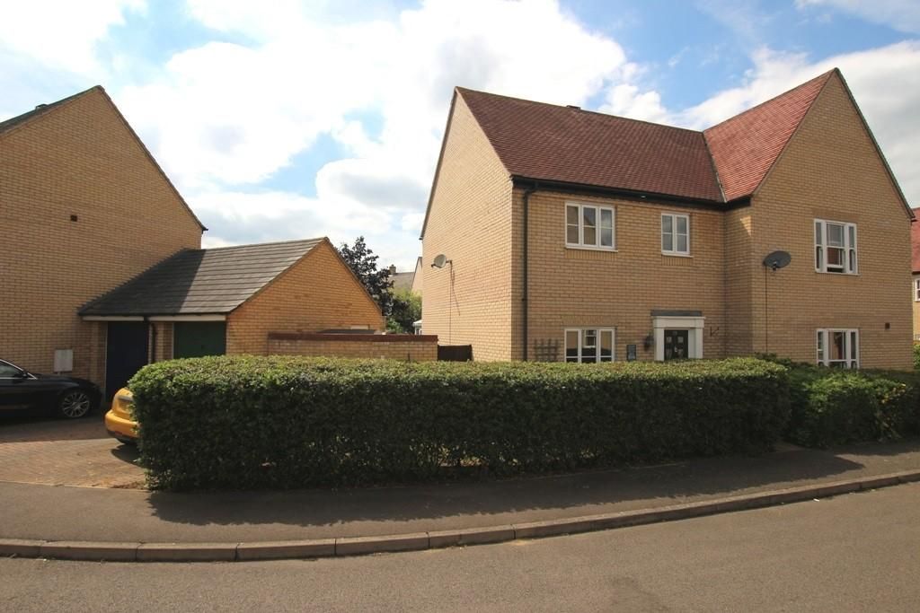 3 Bedrooms Semi Detached House for sale in Brooke Grove, Ely