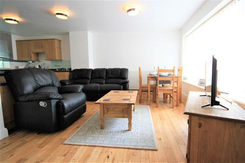 2 bedroom house to rent - Farm Road, Brighton