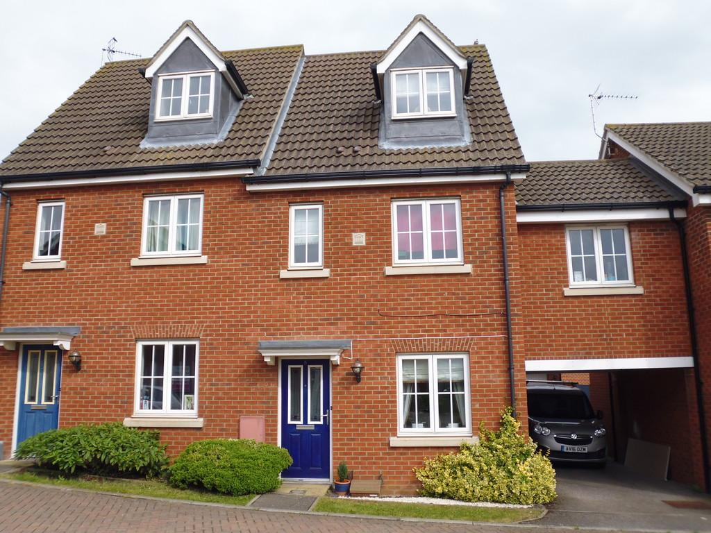 3 Bedrooms Terraced House for sale in Jacksnipe Close, Stowmarket