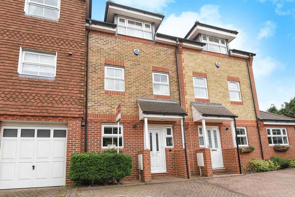 4 Bedrooms Town House for sale in Spencer Road, Bromley