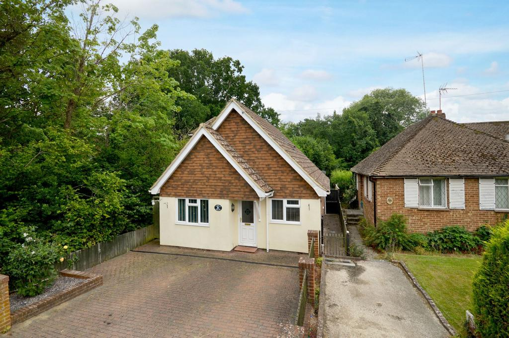 3 Bedrooms Bungalow for sale in Ashford, TN24