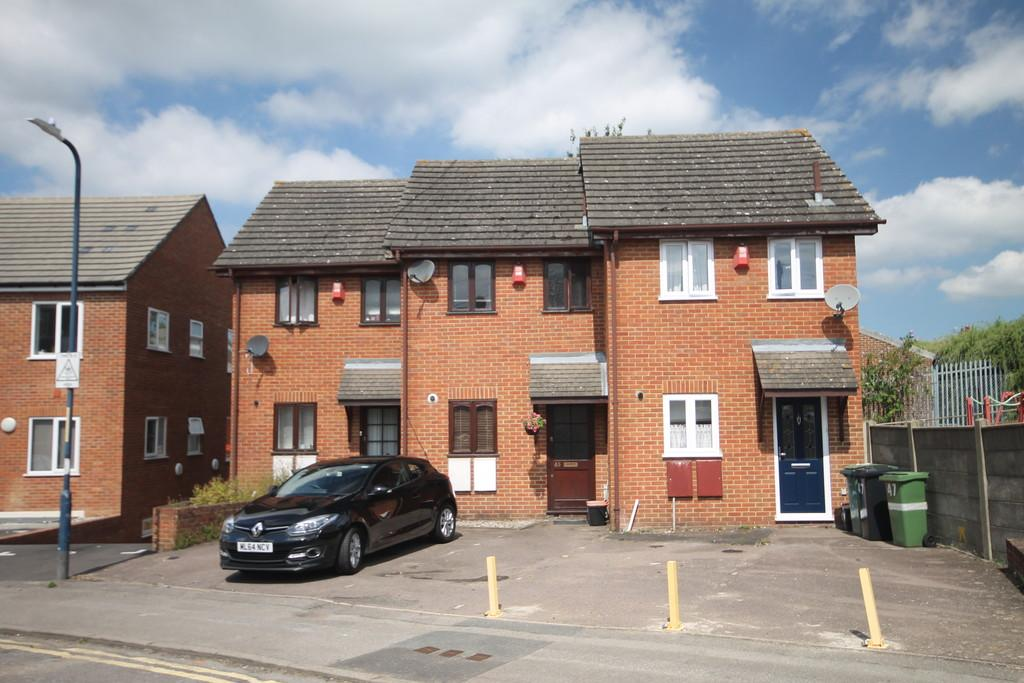 2 Bedrooms Terraced House for sale in Hedley Street, Maidstone