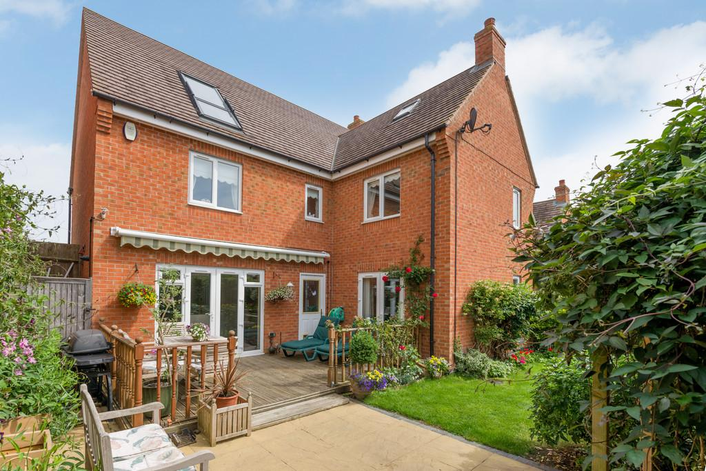 5 Bedrooms Detached House for sale in Torigni Avenue, Shipston On Stour