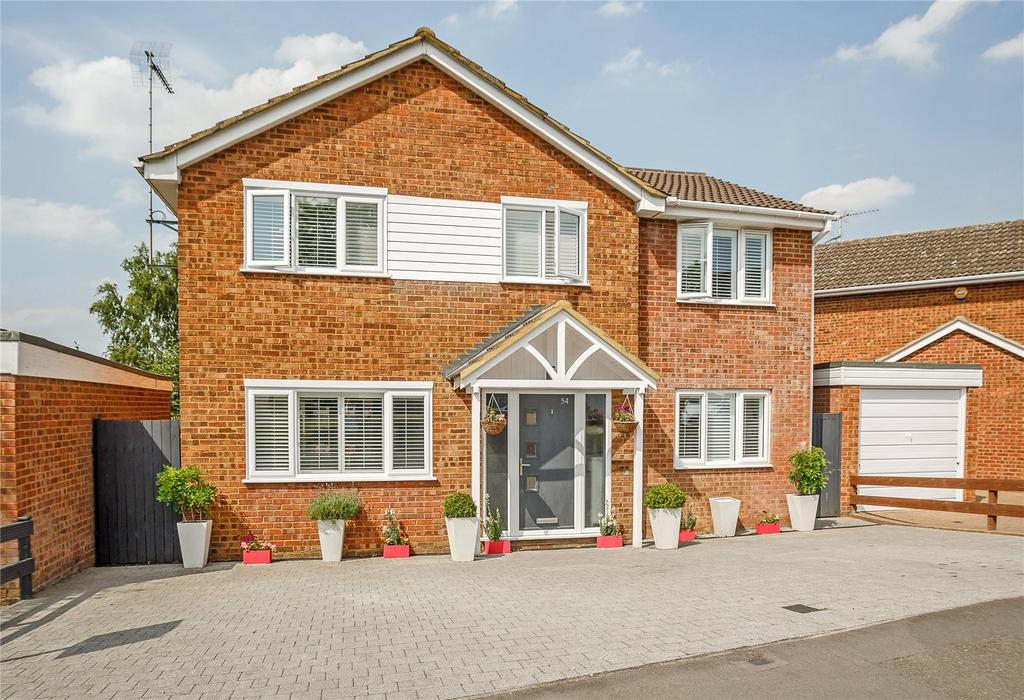 4 Bedrooms Detached House for sale in Broadstone Road, Harpenden, Hertfordshire