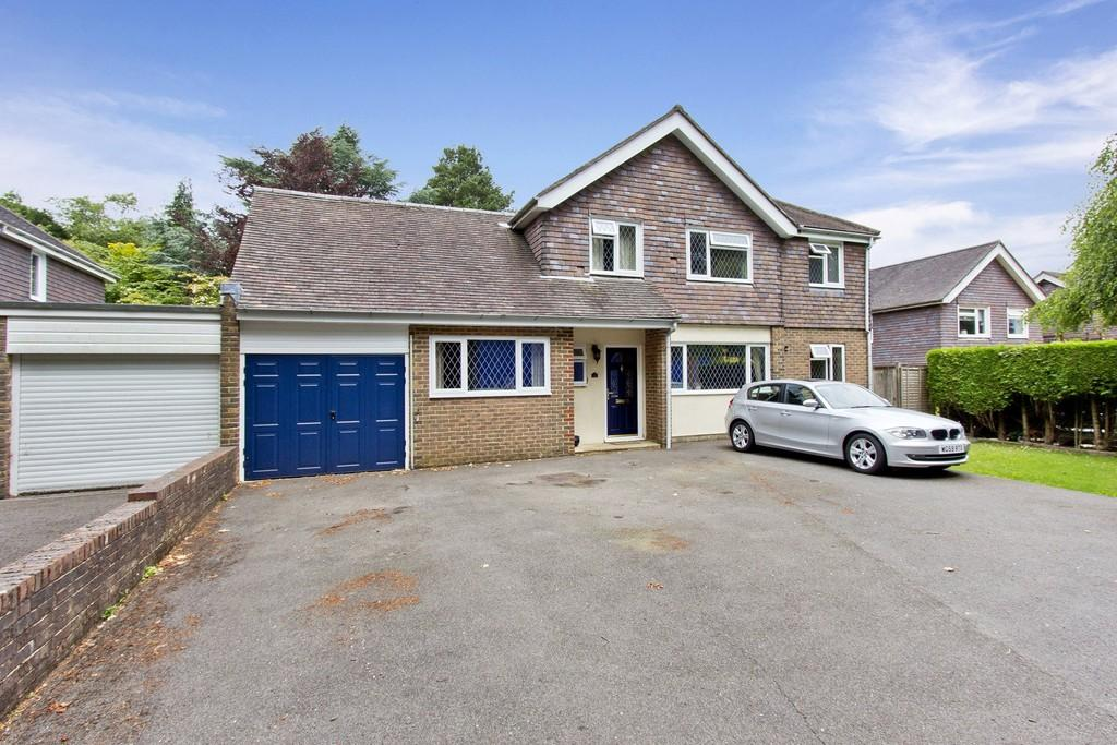 4 Bedrooms Detached House for sale in Church Road, Crowborough