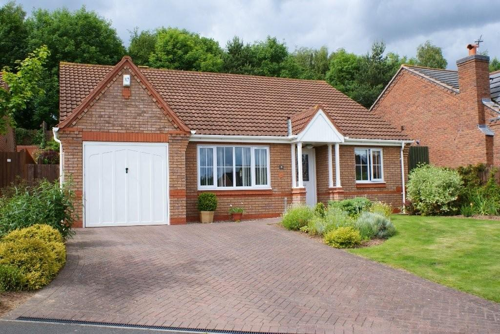 3 Bedrooms Detached Bungalow for sale in Yarrow Close, Stapenhill, Burton upon Trent