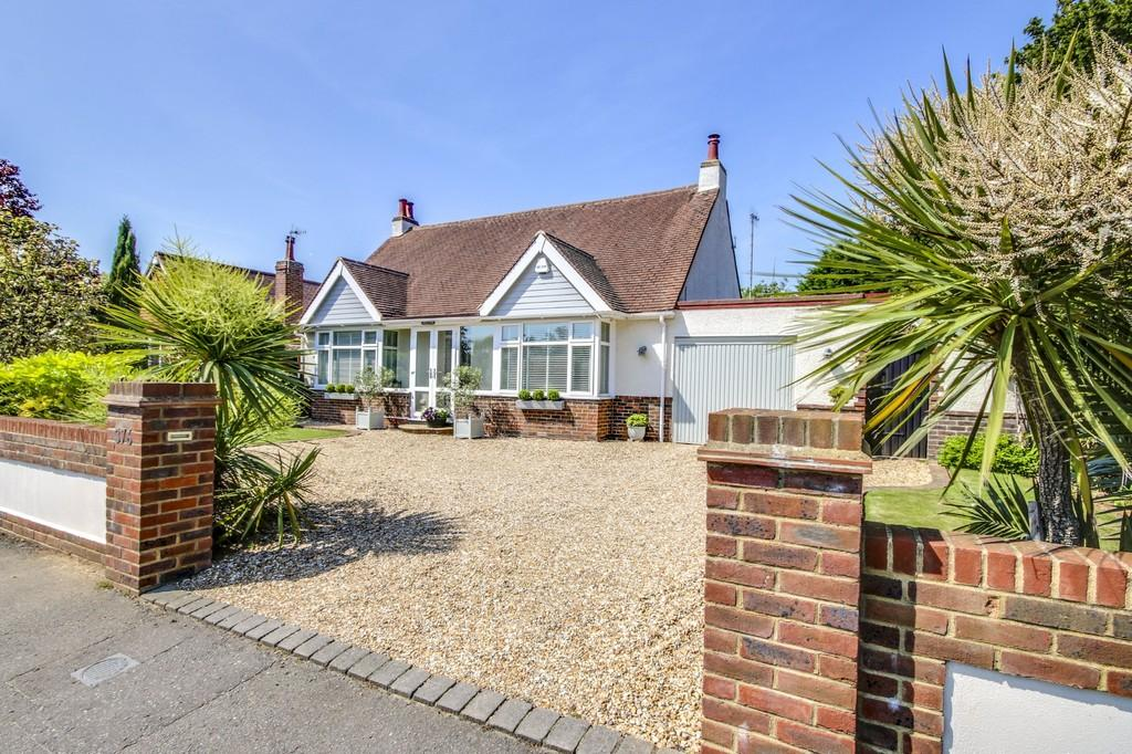 2 Bedrooms Detached Bungalow for sale in Shoreham-by-Sea