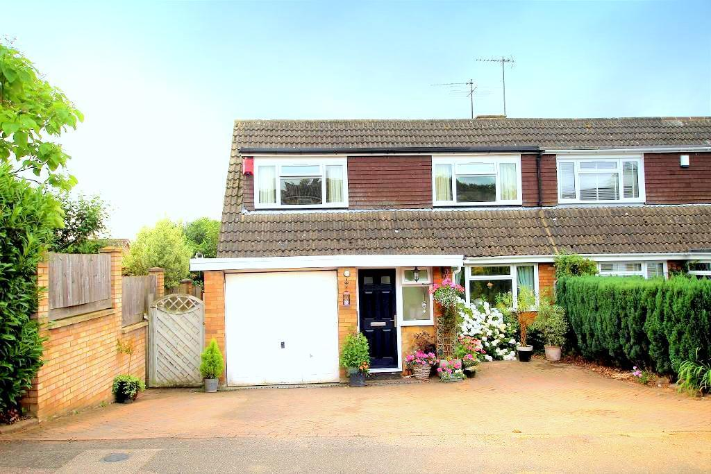 3 Bedrooms Chalet House for sale in Cainhoe Road, Clophill, Bedfordshire, MK45 4AQ