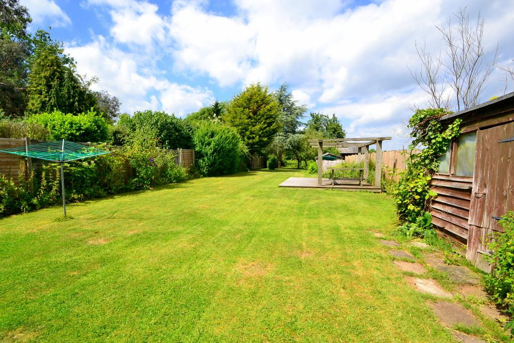 3 Bedrooms Detached House for sale in Church Road, West Hanningfield