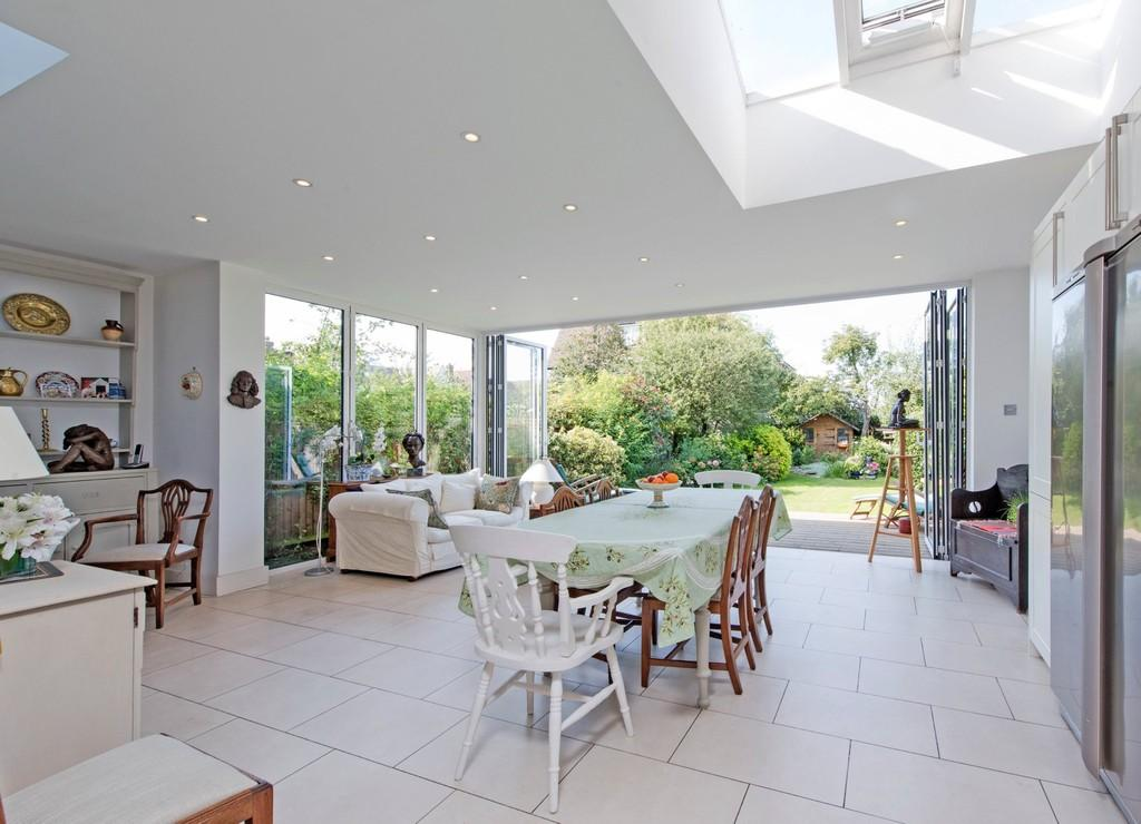 5 Bedrooms Terraced House for sale in Loxley Road, London