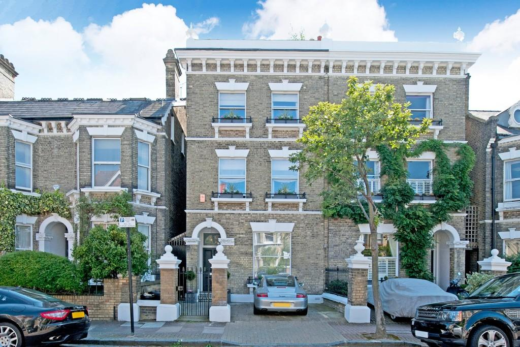 6 Bedrooms Semi Detached House for sale in Wandle Road, London