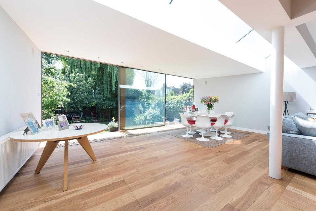 5 Bedrooms Semi Detached House for sale in Herondale Avenue, Wandsworth, London
