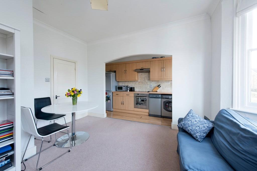 2 Bedrooms Apartment Flat for sale in Trinity Road, London