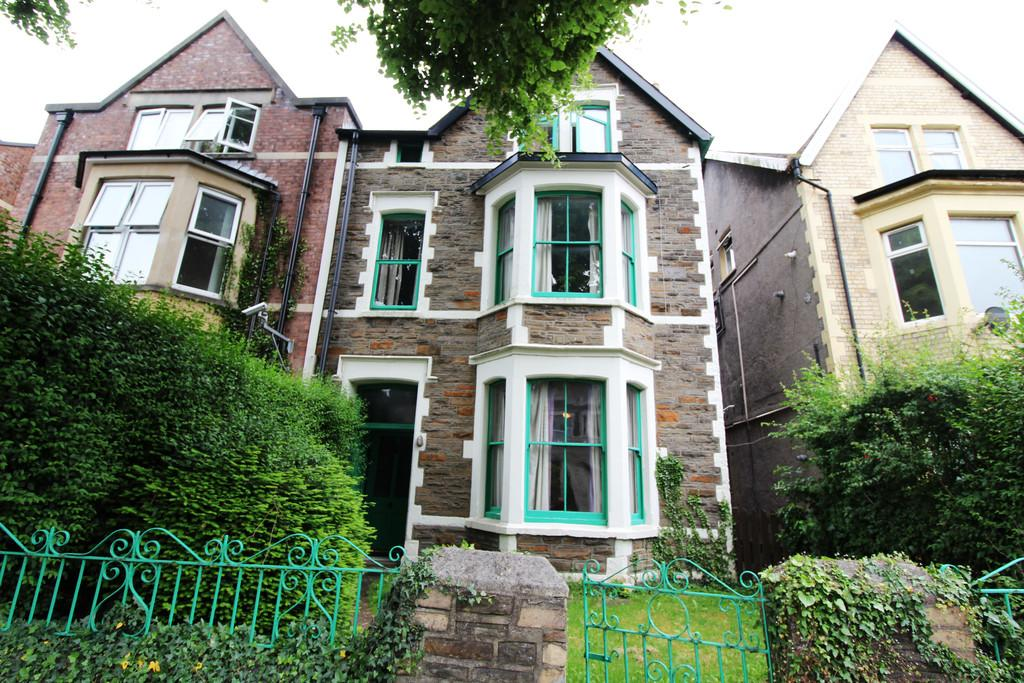 5 Bedrooms Terraced House for sale in Richmond Road, Roath, Cardiff