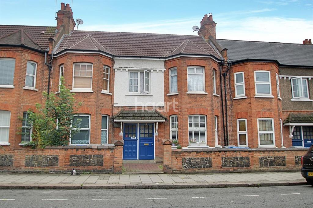 2 Bedrooms Flat for sale in Ambleside Road, NW10