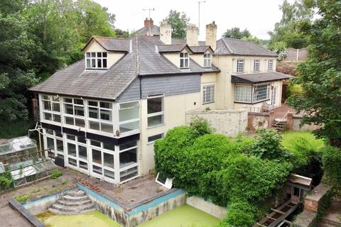 Phipps And Pritchard Auction Property