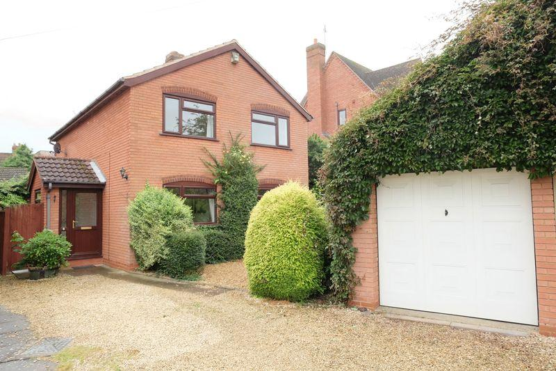 3 Bedrooms Detached House for sale in Stourport Road, Great Witley WR6 6JP