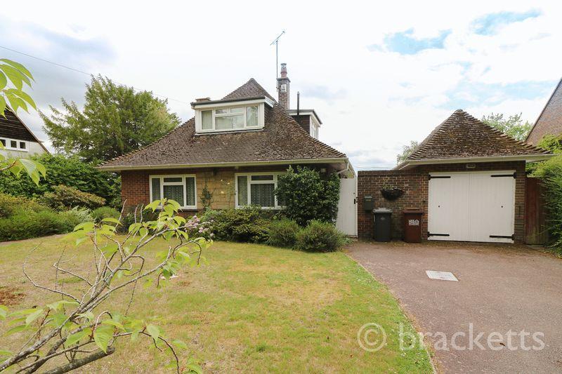 4 Bedrooms Detached Bungalow for sale in Withyham Road, Groombridge, Tunbridge Wells