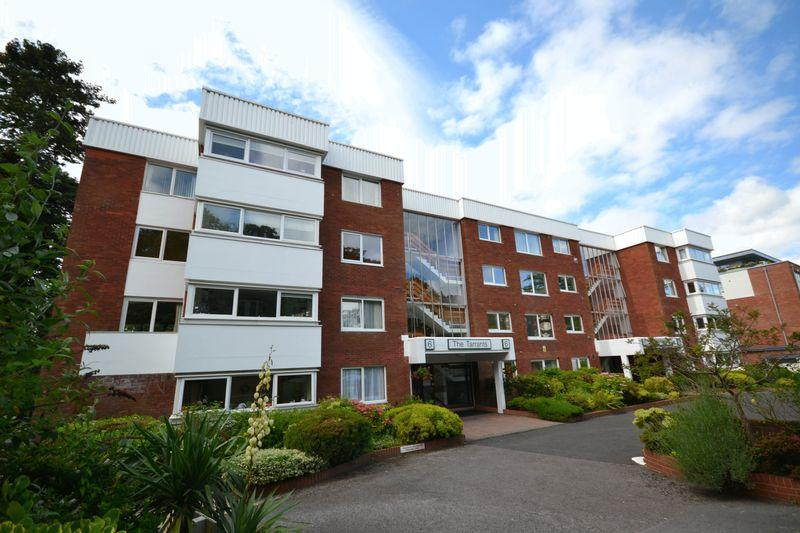 2 Bedrooms Apartment Flat for sale in The Tarrants, Branksome Wood Road, Bournemouth