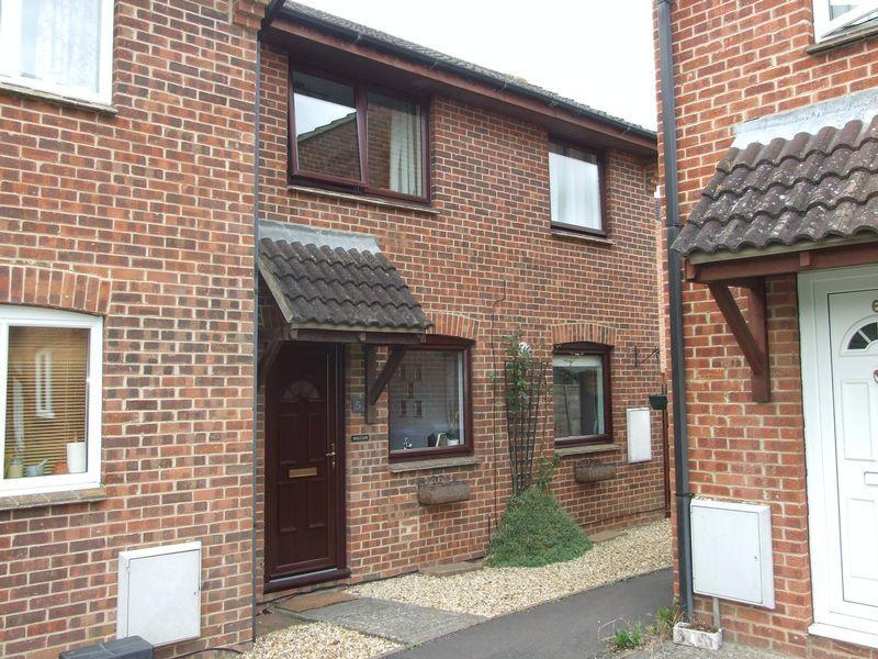 2 Bedrooms Terraced House for sale in Lockeridge Close, Trowbridge