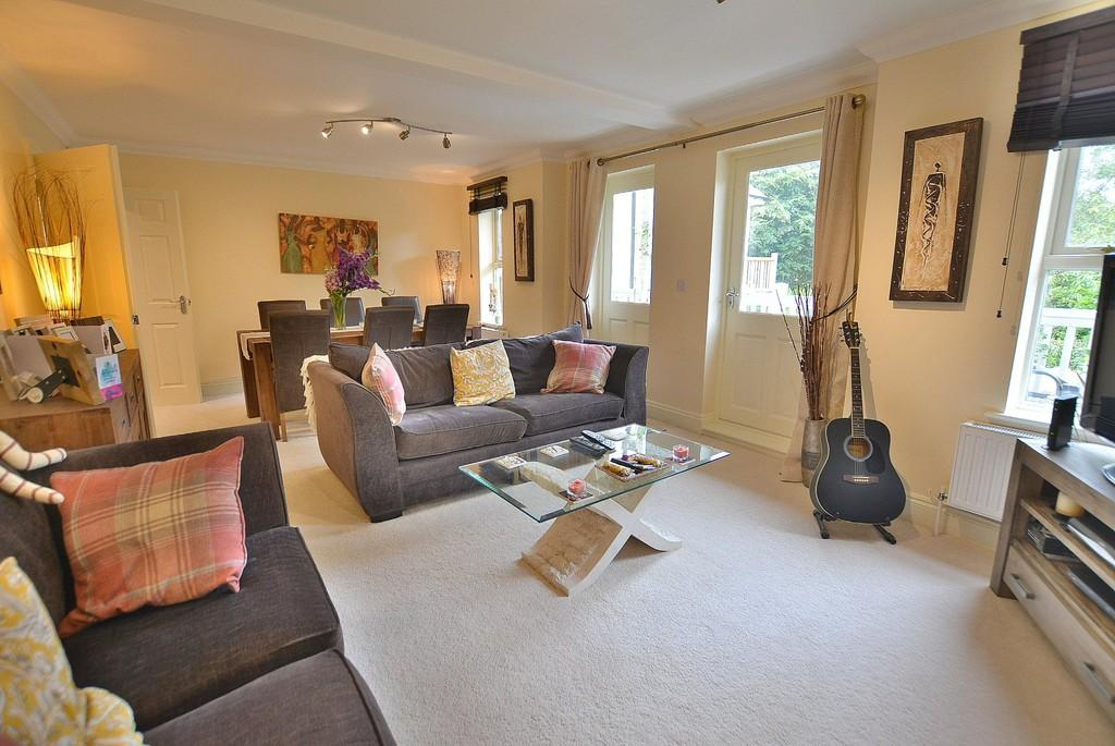 2 Bedrooms Apartment Flat for sale in The Chines, 18 Mckinley Road, Westbourne