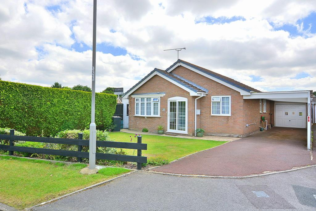 2 Bedrooms Detached Bungalow for sale in Albany Drive, Three Legged Cross
