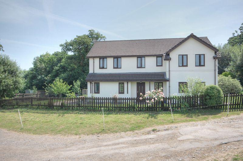 4 Bedrooms Detached House for sale in Talygarn Equestrian Centre, Talygarn, CF72 9JT