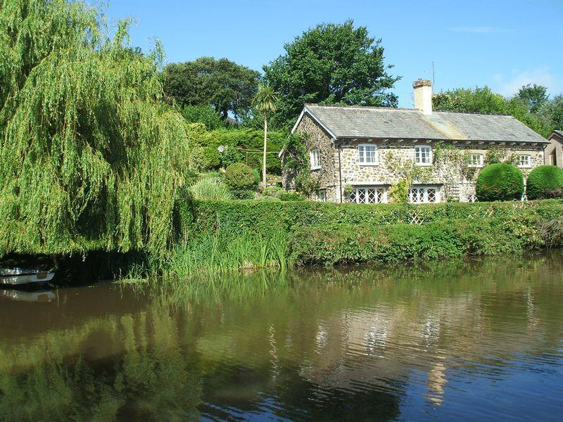 4 Bedrooms Detached House for sale in Waterside property with acreage, Bude, Cornwall