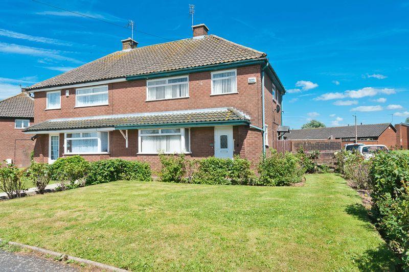 3 Bedrooms Semi Detached House for sale in Grangeway, Runcorn