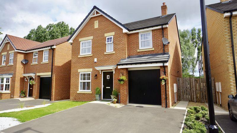 4 Bedrooms Detached House for sale in CORVER WAY, Benton