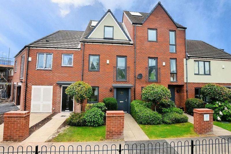 3 Bedrooms Town House for sale in Leopard Lane, The Lyng, West Bromwich