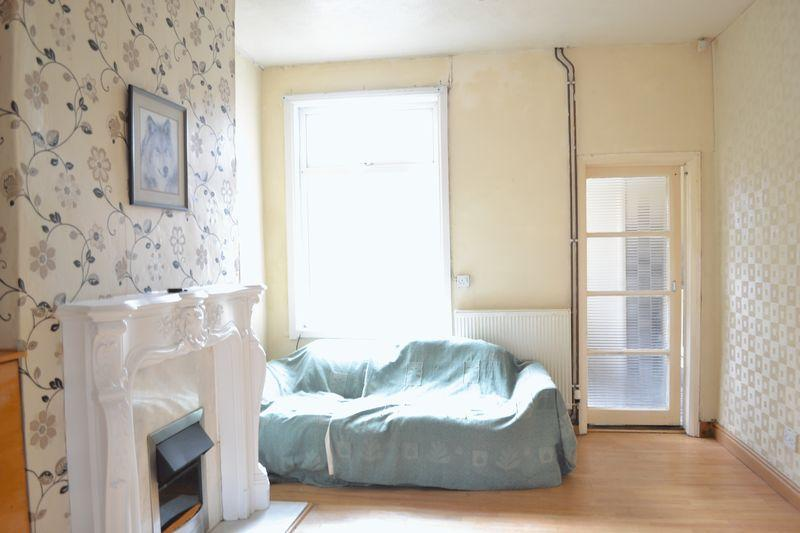 3 Bedrooms End Of Terrace House for sale in David Street, Grimsby