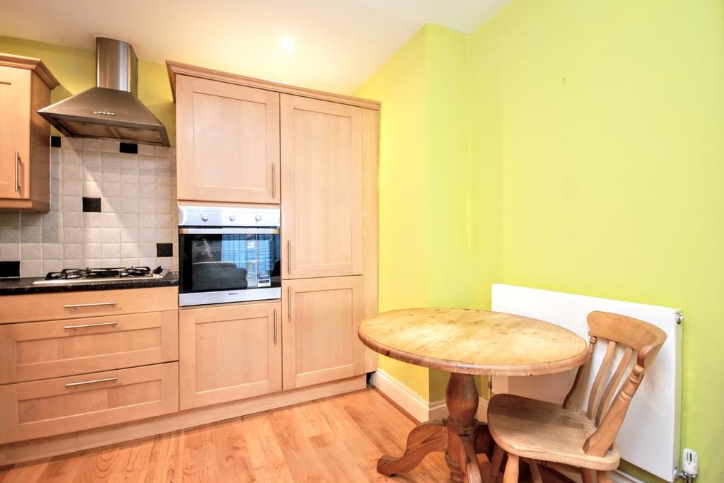 1 Bedroom Ground Flat for sale in Dyke Road, BRIGHTON, BN1