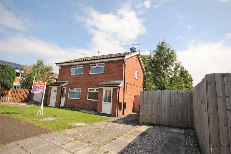 2 Bedrooms Semi Detached House for sale in Headington Road, Saughall Massie