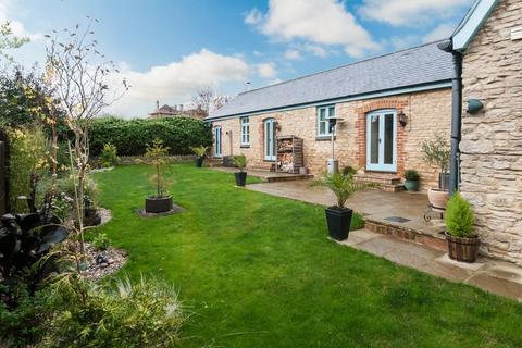 3 bedroom semi-detached bungalow to rent - Bedford Road, Rushden