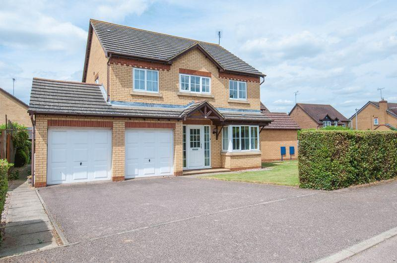 4 Bedrooms Detached House for sale in Hecham Way, Higham Ferrers