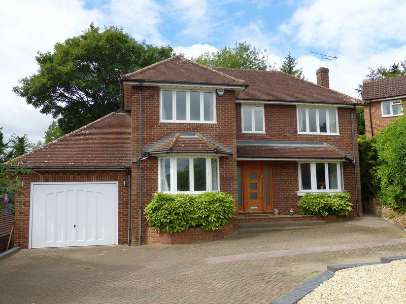 5 Bedrooms Detached House for sale in Spinfield Park, Marlow