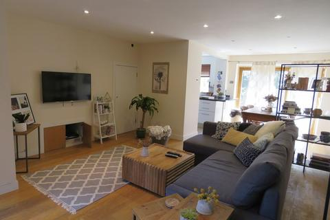 3 bedroom terraced house to rent - MARLOW- Walking Distance Of The Station