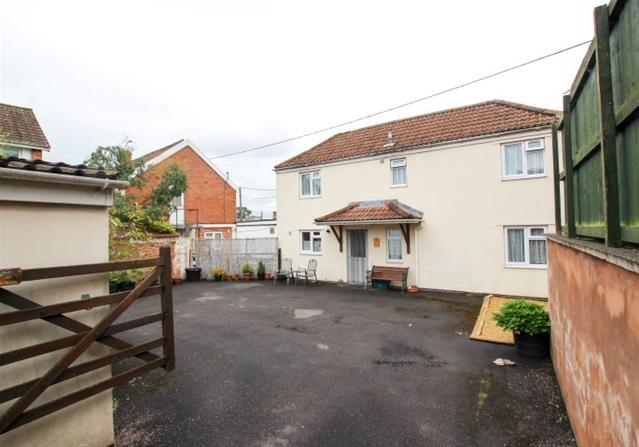 2 Bedrooms Detached House for sale in Hyde Park Avenue, North Petherton, Bridgwater