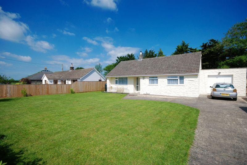 2 Bedrooms Detached Bungalow for sale in Barton Road, Keinton Mandeville