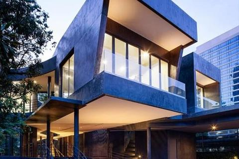 6 bedroom house  - For sale, superbly Modern style house on Sukhumvit 26