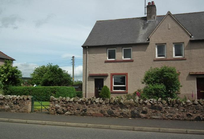 3 Bedrooms Terraced House for sale in 9 Wester Row, Greenlaw, TD10 6XE