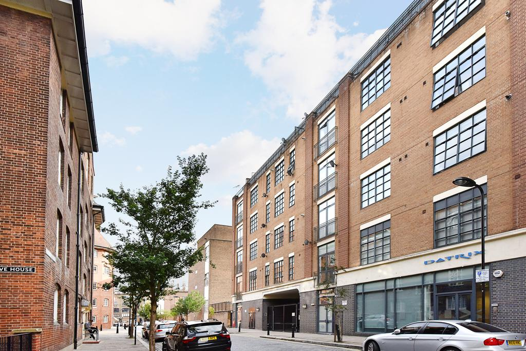 Studio Flat for sale in Boundary Street, Shoreditch, London
