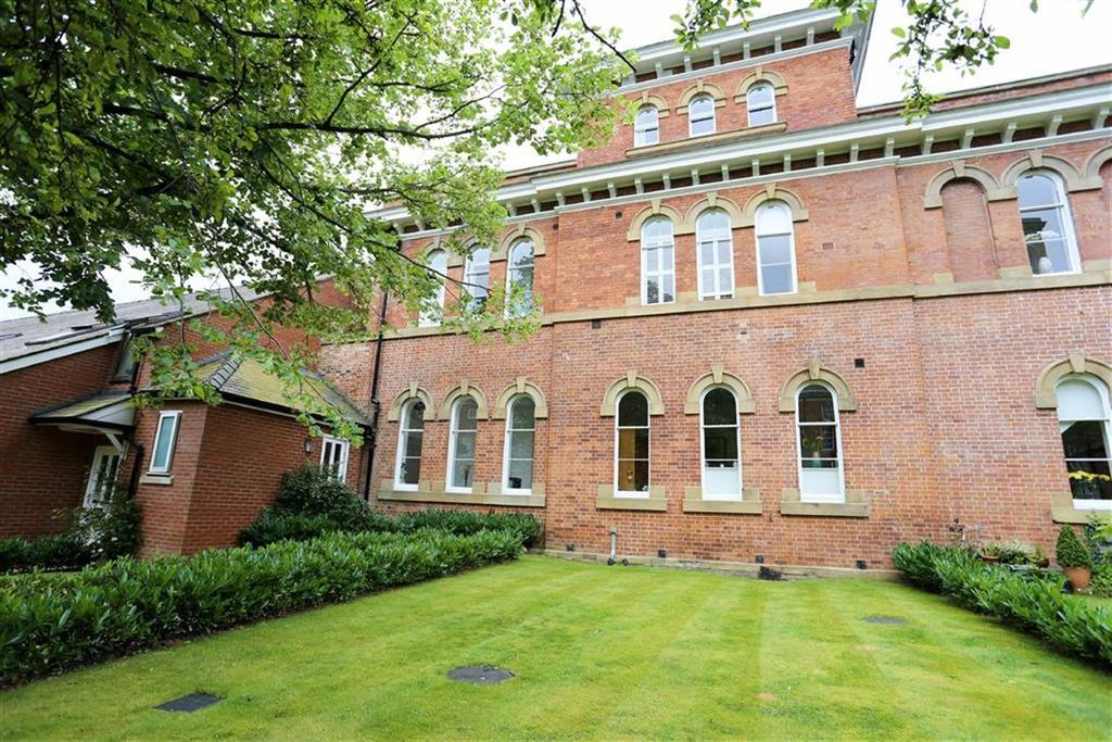4 Bedrooms Semi Detached House for sale in Houseman Crescent, West Didsbury, Manchester