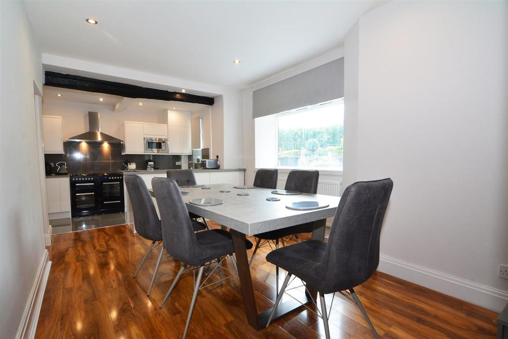 3 Bedrooms Terraced House for sale in Carr Road, Calverley