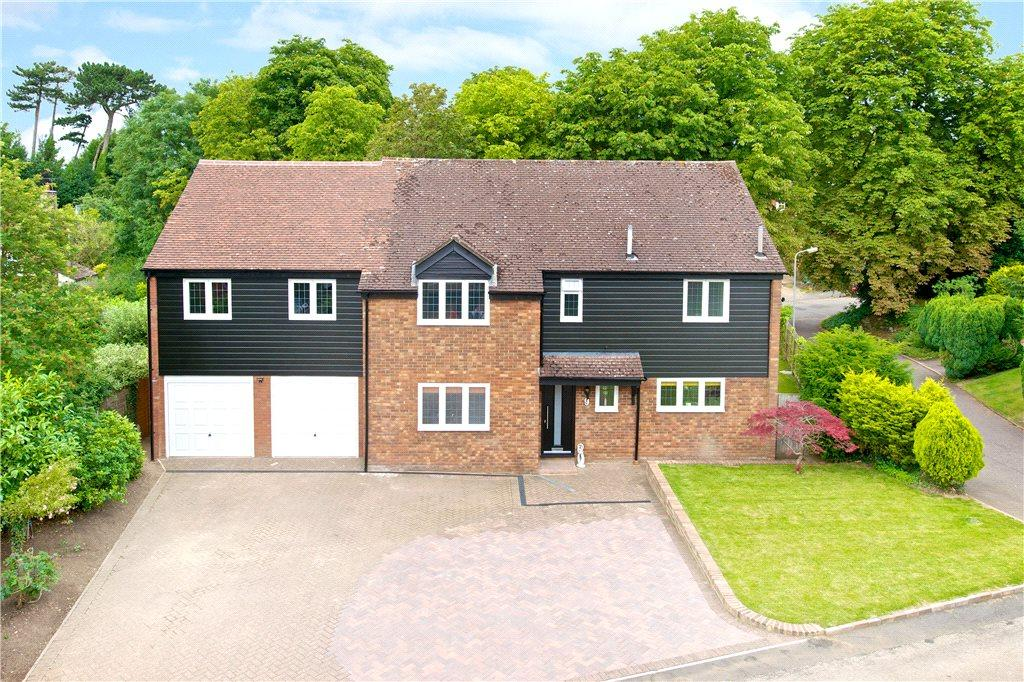5 Bedrooms Detached House for sale in Brickhill Manor Court, Watling Street, Little Brickhill, Buckinghamshire