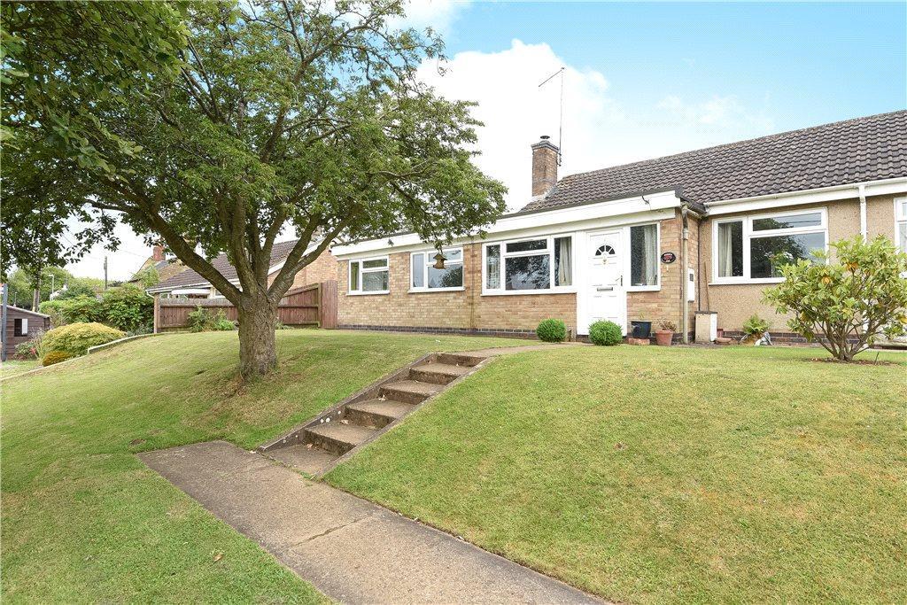 4 Bedrooms Semi Detached Bungalow for sale in Oakley Drive, Moulton, Northamptonshire